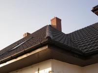 Krzywa kalenica dachu